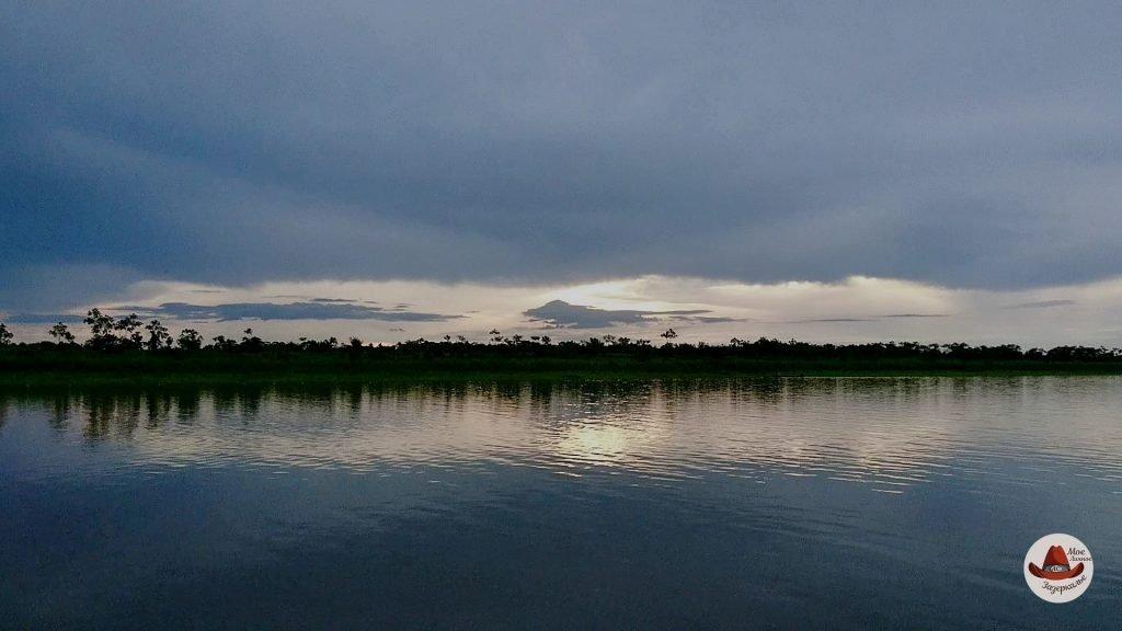 Это не рассвет на Амазонке. Это фотография заката...