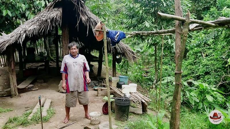 Счастливый житель Амазонии.