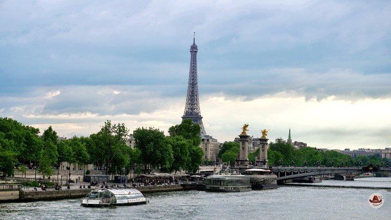 Набережная Сены и 37 мостов в Париже
