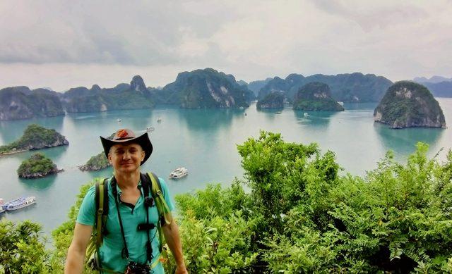 Бухта Халонг 3000 изумрудных островов